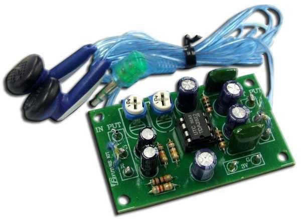 Headphone amplifier stereo